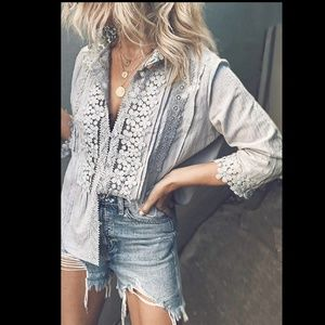 Tops - Lace/Crochet V-Neck Button-Down 3/4 Sleeve Top